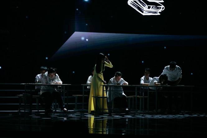 Tiết mục xúc động nhất đêm Chung kết Hoa hậu Việt Nam 2020 - ảnh 1