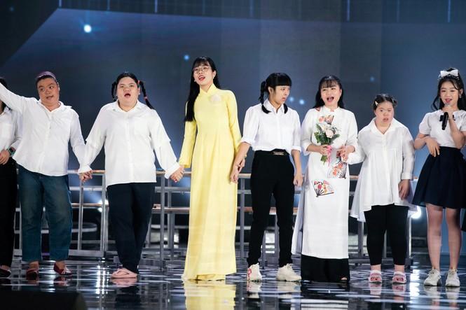 Tiết mục xúc động nhất đêm Chung kết Hoa hậu Việt Nam 2020 - ảnh 12