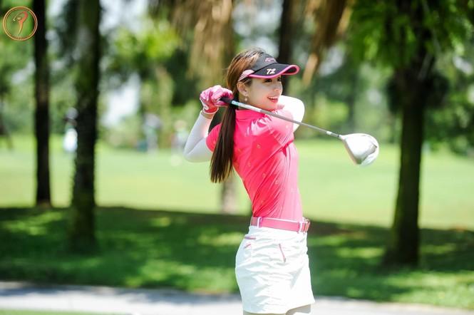 Người đẹp Lê Thanh Tú: 'Cuộc sống tích cực hơn nhờ golf' - ảnh 5