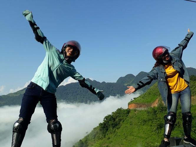 Phượt thủ mê mẩn vẻ đẹp mây phủ trên núi Cổng trời Quản Bạ - ảnh 7