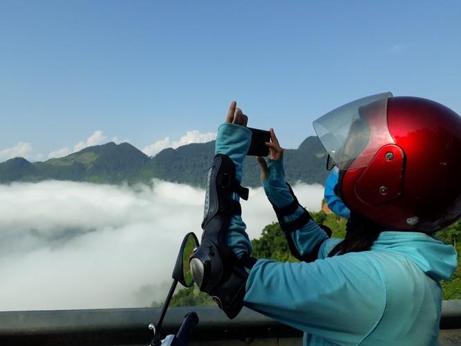 Phượt thủ mê mẩn vẻ đẹp mây phủ trên núi Cổng trời Quản Bạ - ảnh 6
