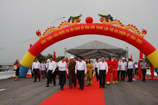 Bắc Giang khánh thành 2 công trình giao thông quan trọng chào mừng đại hội Đảng bộ - ảnh 1