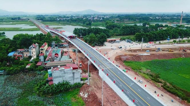 Bắc Giang khánh thành 2 công trình giao thông quan trọng chào mừng đại hội Đảng bộ - ảnh 2