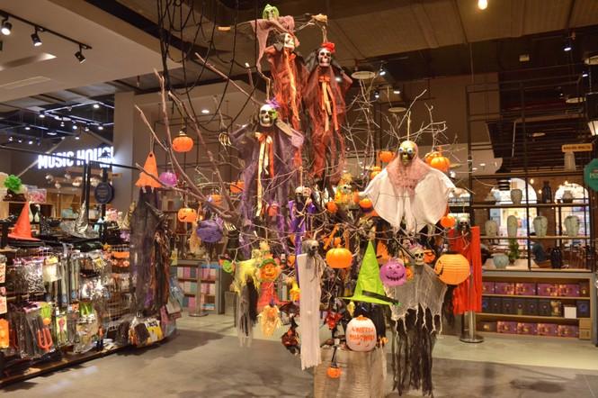 Tham gia đại tiệc Halloween tưng bừng trong... nhà sách - ảnh 6