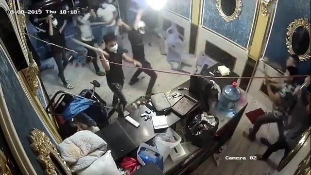 Băng giang hồ gây vụ hỗn chiến kinh hoàng tại nhà hàng ở Sài Gòn sa lưới - ảnh 3