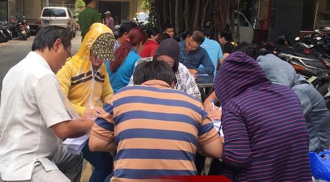 Người dân ùn ùn đến công an trình báo sau khi Chủ tịch Alibaba bị bắt - ảnh 3
