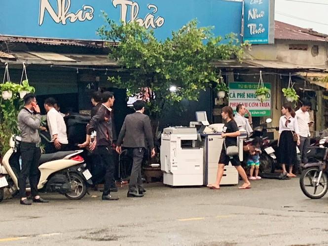 Nhân viên Alibaba ồ ạt dọn đồ khỏi công ty sau khi Nguyễn Thái Luyện bị bắt - ảnh 1