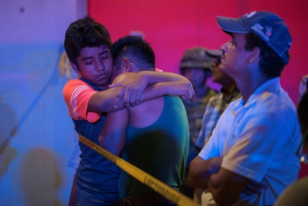 Quán bar cháy phừng phừng vì hứng bom chai, 23 người chết thảm - ảnh 2