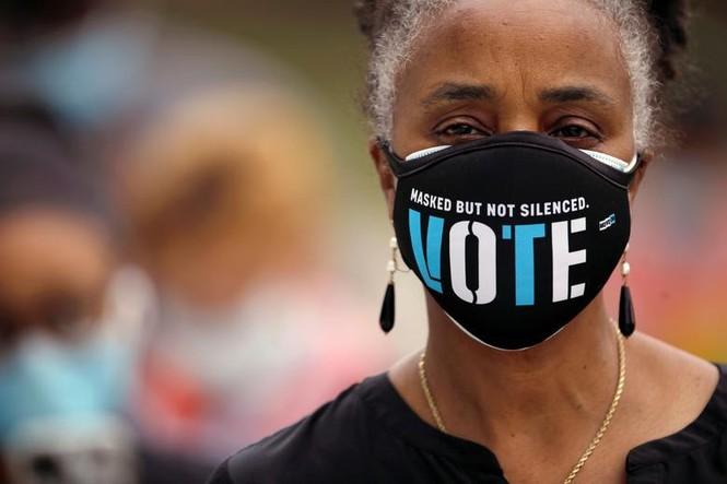 Mỹ: Gần 28 triệu cử tri đã bỏ phiếu sớm vì sợ COVID-19 - ảnh 3