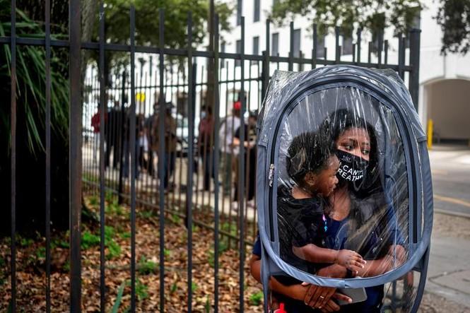 Mỹ: Gần 28 triệu cử tri đã bỏ phiếu sớm vì sợ COVID-19 - ảnh 4