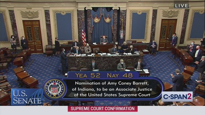 Thượng viện Mỹ thông qua đề cử thẩm phán tòa Tối cao của ông Trump - ảnh 1