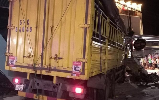 Hiện trường vụ tai nạn xe tải tông vào nhà dân ở Quảng Ngãi làm 3 người chết - ảnh 3