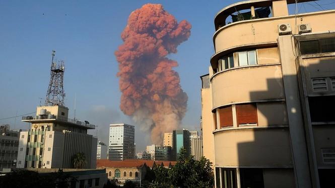 2 vụ nổ lớn ở Beirut (Lebanon) khiến ít nhất 10 người thiệt mạng, hàng nghìn người bị thương - ảnh 1