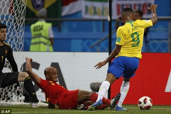 Bỉ tiễn Brazil về nước, World Cup thành sân chơi riêng châu Âu - ảnh 32