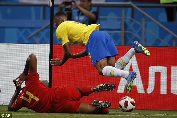 Bỉ tiễn Brazil về nước, World Cup thành sân chơi riêng châu Âu - ảnh 33