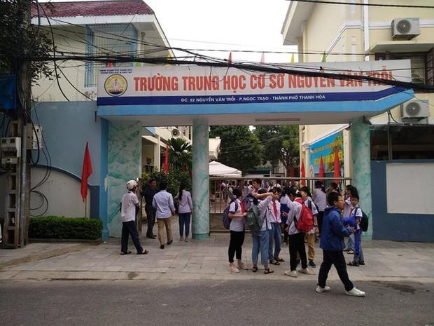 Bị nhóm bạn quây đánh hội đồng, nữ sinh lớp 8 ở Thanh Hoá phải nhập viện - ảnh 4