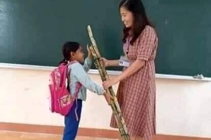 Rưng rưng trước những món quà trò vùng cao tặng thầy cô ngày 20/11 - ảnh 3