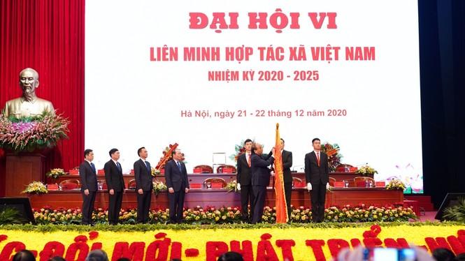 Thủ tướng: Sẽ kịp thời tháo gỡ khó khăn để các hợp tác xã phát triển bền vững - ảnh 1