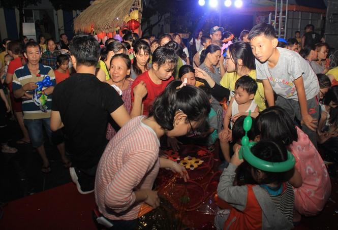Ăm ắp tiếng cười, niềm vui lan tỏa tại ngày hội vui Trung thu dành tặng bệnh nhi - ảnh 14