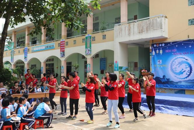 Mang Trung thu muộn đến trẻ em nhỏ vùng khó khăn tỉnh Đồng Nai  - ảnh 1