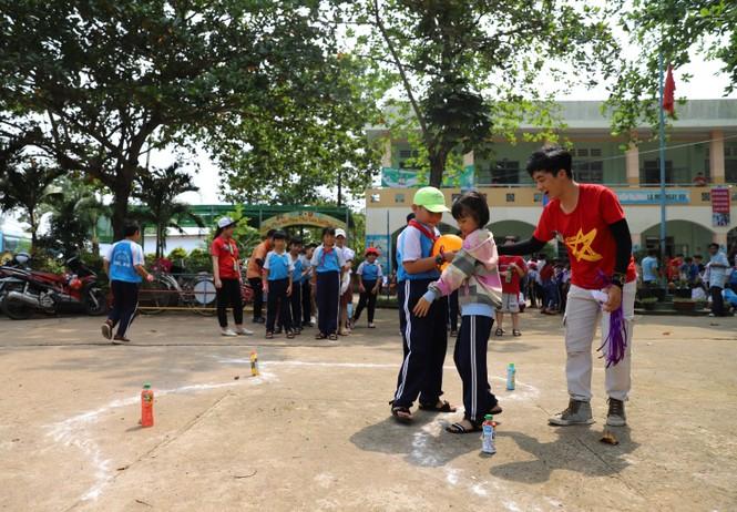 Mang Trung thu muộn đến trẻ em nhỏ vùng khó khăn tỉnh Đồng Nai  - ảnh 4