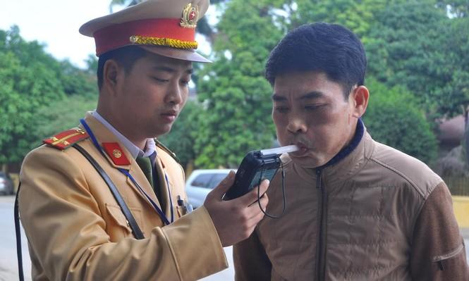 Hà Nội xử phạt hơn trăm trường hợp 'quá chén' - ảnh 3