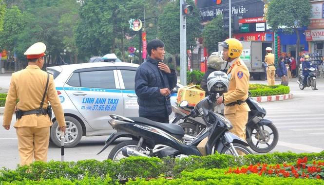 Hà Nội xử phạt hơn trăm trường hợp 'quá chén' - ảnh 8