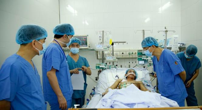 Lần đầu tiên Việt Nam ghép ruột thành công từ người cho sống - ảnh 1