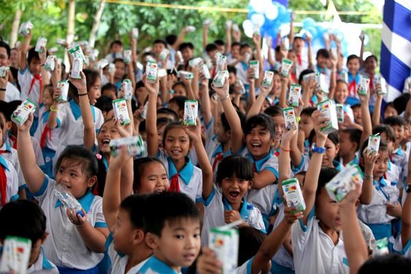 Quỹ sữa Vươn cao Việt Nam tiếp tục tặng sữa cho trẻ em tại Cần Thơ - ảnh 5