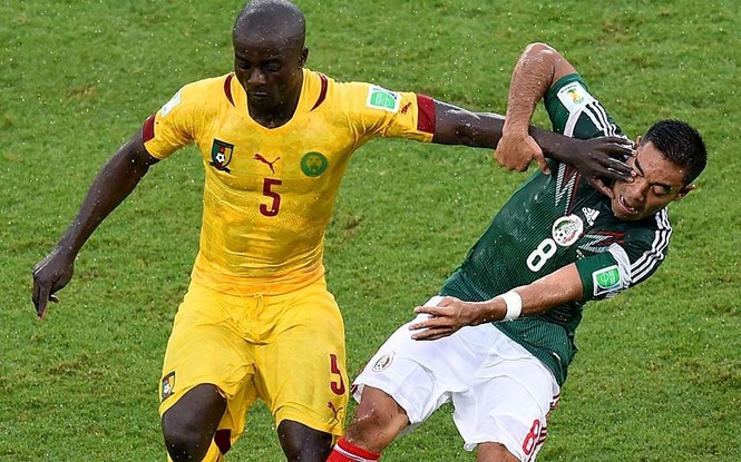 Nét mặt 'khó đỡ' của các sao trên sân cỏ World Cup - ảnh 9