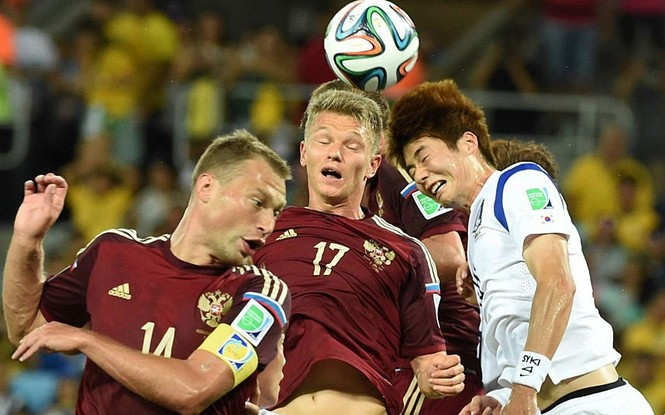 Nét mặt 'khó đỡ' của các sao trên sân cỏ World Cup - ảnh 10