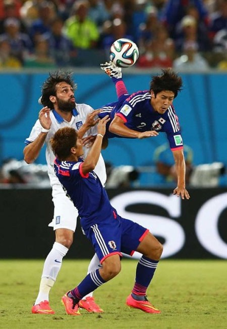 Nét mặt 'khó đỡ' của các sao trên sân cỏ World Cup - ảnh 11