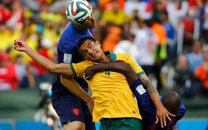Nét mặt 'khó đỡ' của các sao trên sân cỏ World Cup - ảnh 12