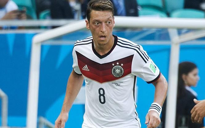 Nét mặt 'khó đỡ' của các sao trên sân cỏ World Cup - ảnh 17