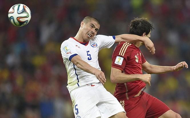 Nét mặt 'khó đỡ' của các sao trên sân cỏ World Cup - ảnh 5