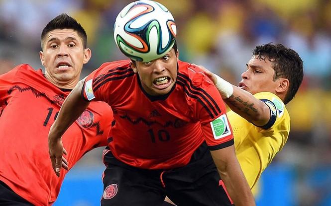 Nét mặt 'khó đỡ' của các sao trên sân cỏ World Cup - ảnh 6