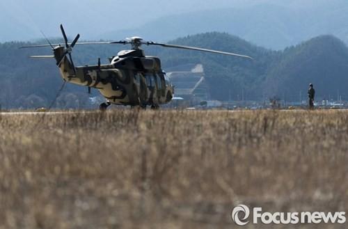 Tận thấy trực thăng 'khủng' Surion Hàn Quốc lần đầu tập trận - ảnh 13