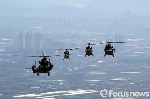 Tận thấy trực thăng 'khủng' Surion Hàn Quốc lần đầu tập trận - ảnh 5