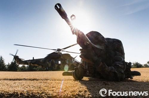 Tận thấy trực thăng 'khủng' Surion Hàn Quốc lần đầu tập trận - ảnh 6