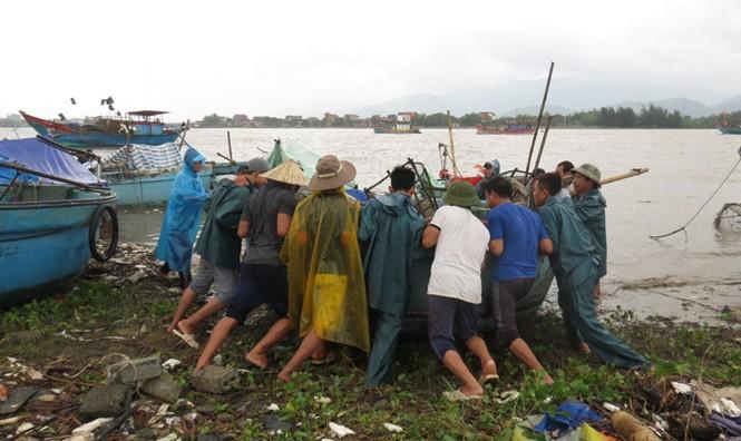 Xót xa xã biển Cảnh Dương sau mưa lũ - ảnh 1