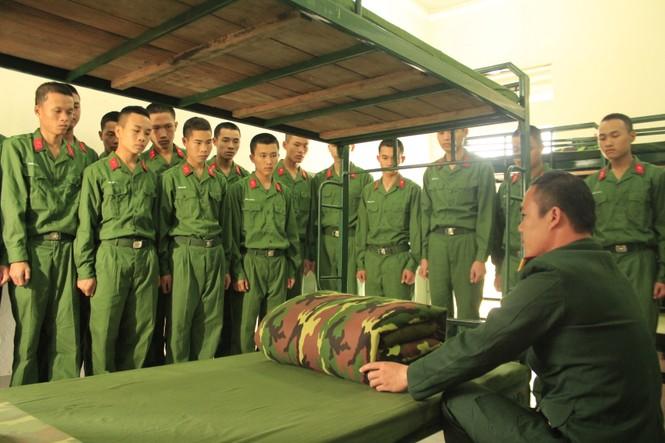 Cuộc sống ngày đầu của những chiến sĩ mới nhập ngũ - ảnh 3