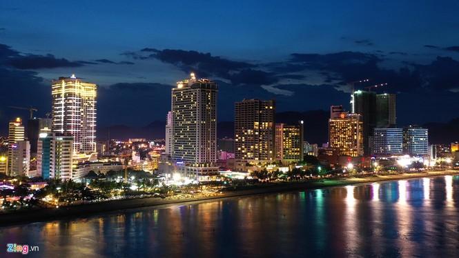 Condotel, khách sạn cao tầng chen chúc dọc bờ biển Nha Trang - ảnh 12