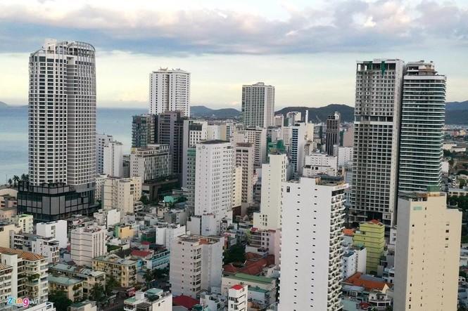 Condotel, khách sạn cao tầng chen chúc dọc bờ biển Nha Trang - ảnh 5