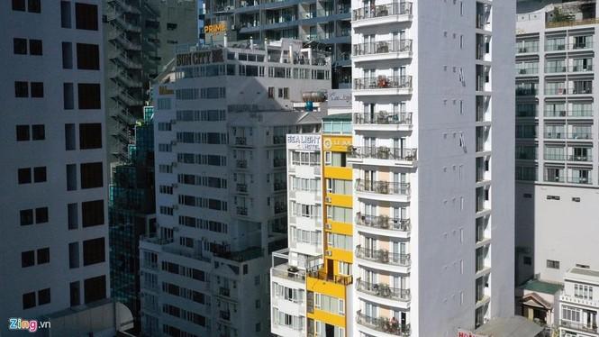 Condotel, khách sạn cao tầng chen chúc dọc bờ biển Nha Trang - ảnh 8