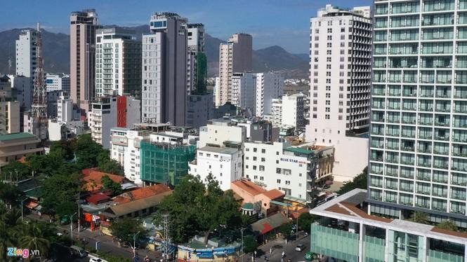 Condotel, khách sạn cao tầng chen chúc dọc bờ biển Nha Trang - ảnh 9