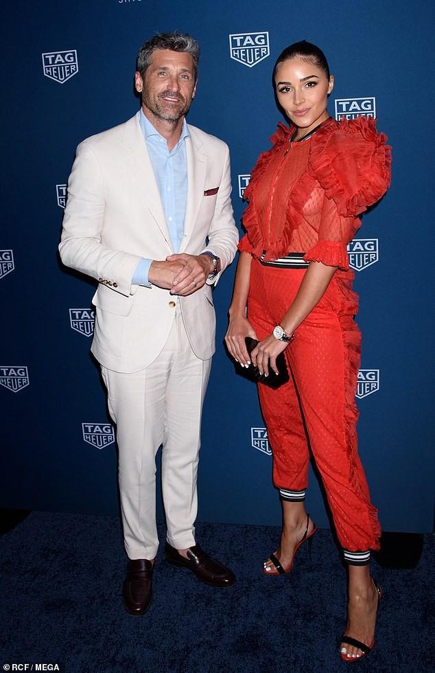 Olivia Culpo nổi bật với áo đỏ xuyên thấu, không nội y lộ vòng 1 nóng bỏng - ảnh 7