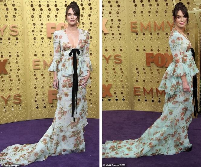 'Mẹ rồng' Emilia Clarke 'thả rông' tại Emmy, tái ngộ dàn sao Game of Thrones - ảnh 4
