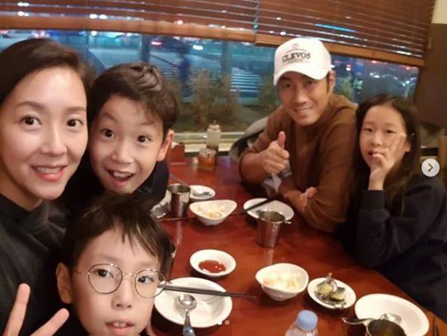 Con trai cố chủ tịch Samsung đam mê diễn xuất dù hơn 20 năm chỉ đóng vai phụ - ảnh 4