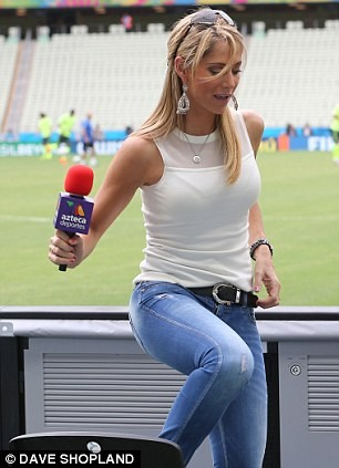 Ngất ngây với dàn phóng viên nữ nóng bỏng tại World Cup - ảnh 6