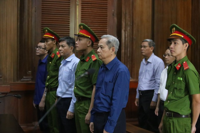 Cựu Phó Chủ tịch TPHCM Nguyễn Hữu Tín thừa nhận sai phạm - ảnh 2